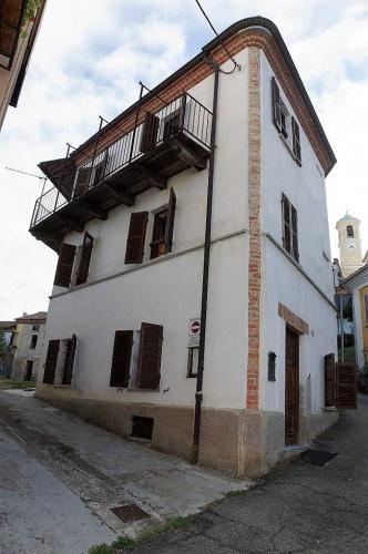 Историческое здание в Монтегроссо-д'Асти