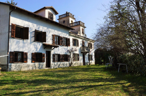 Moradia em Nizza Monferrato