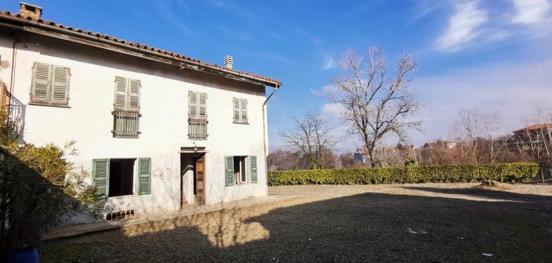 Parhus i Montegrosso d'Asti