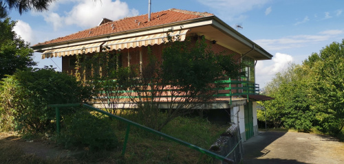 Detached house in Isola d'Asti