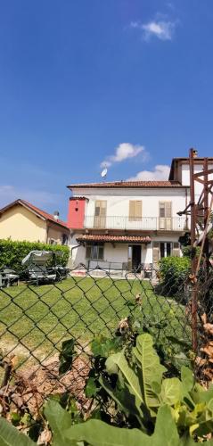Casa geminada em Montegrosso d'Asti