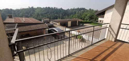 Doppelhaushälfte in Montegrosso d'Asti