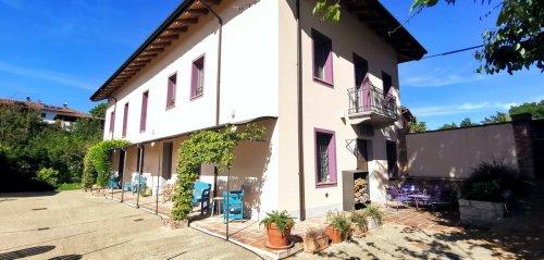 Historic house in Rocca d'Arazzo