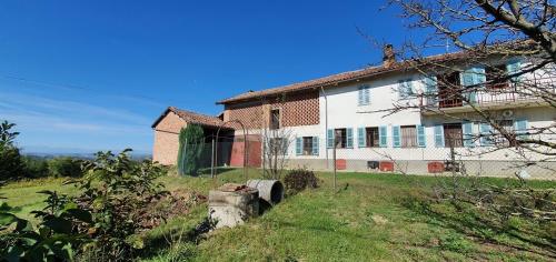 Casa semi-independiente en Montegrosso d'Asti