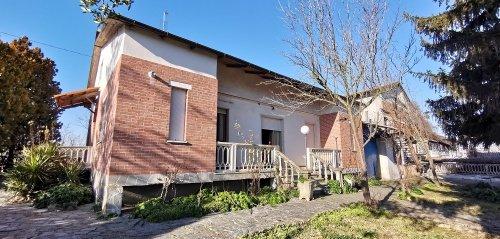 Landhaus in Montegrosso d'Asti