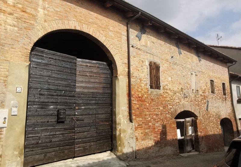 Parhus i Montemagno