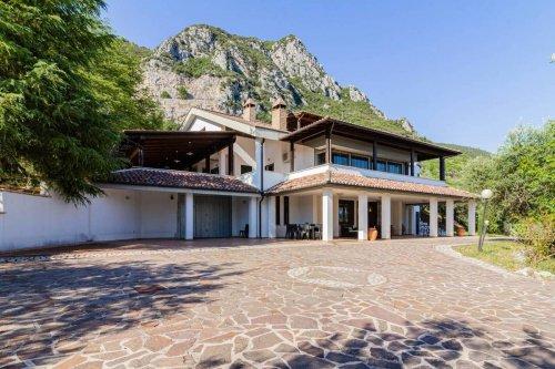 Villa a Terni