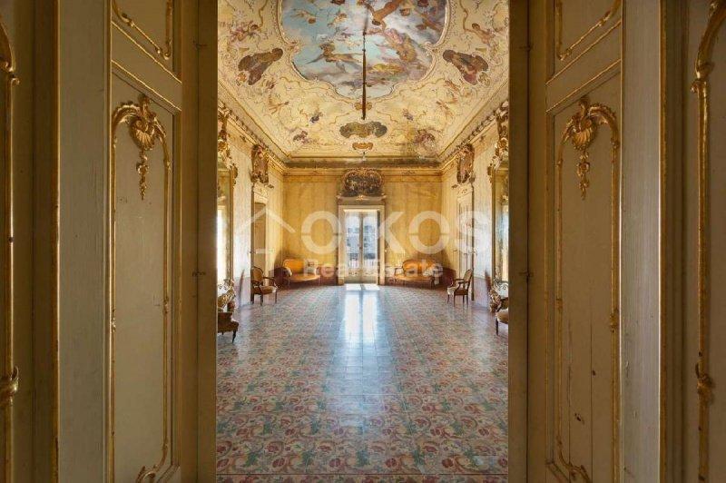 Historiskt hus i Palazzolo Acreide