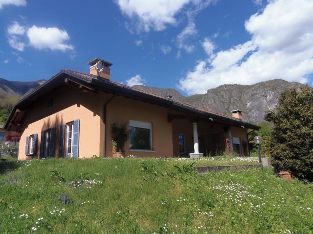 Villa in Griante