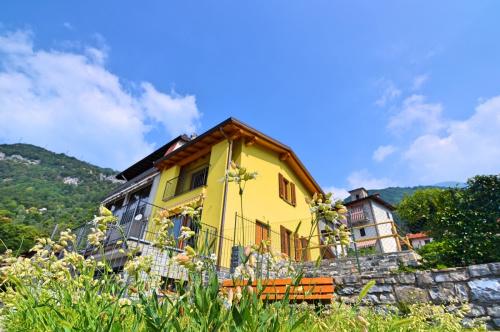 Semi-detached house in Tremezzina
