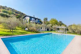 Villa in Lonato del Garda