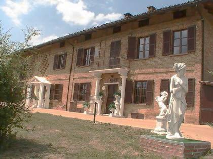 Haus in Costigliole d'Asti