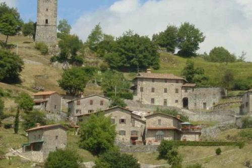 Kleines Dorf in Molazzana