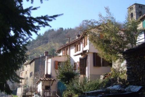 Casa semi indipendente a Molazzana