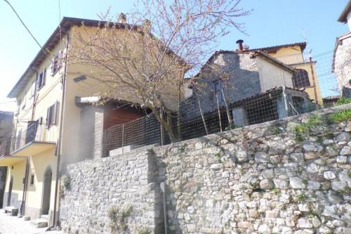 Semi-detached house in Fosciandora