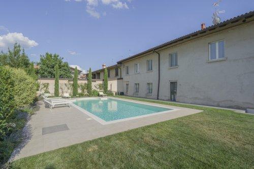 Villa in Cazzago San Martino