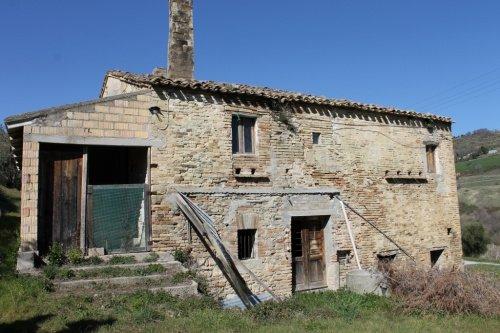 Casolare a Moresco