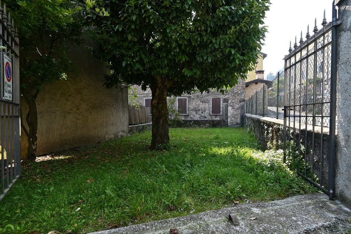 Detached house in Gargnano
