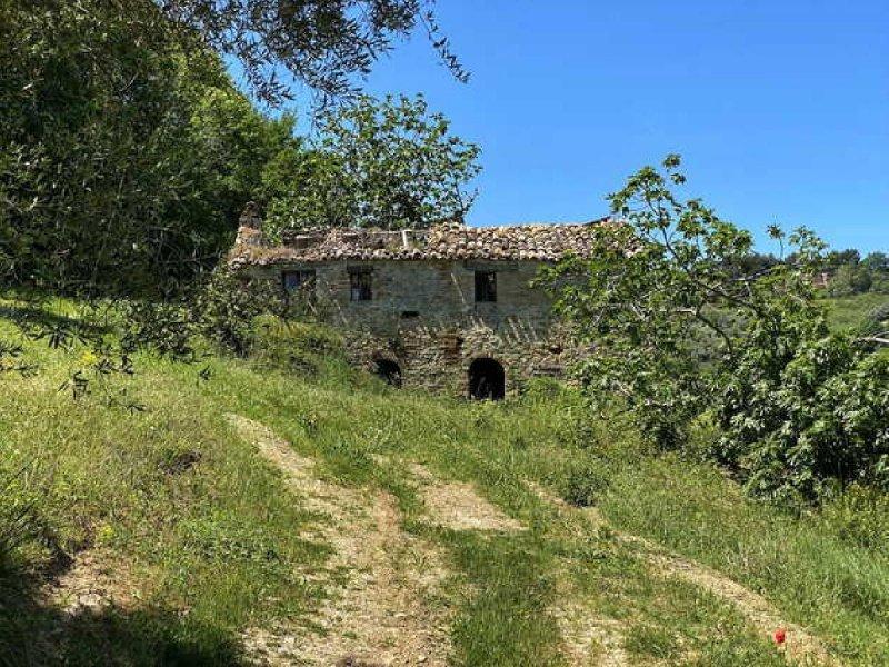Casa de campo en Montefiore dell'Aso