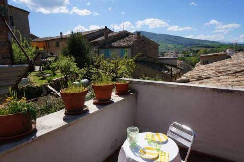 Kleines Dorf in Castignano