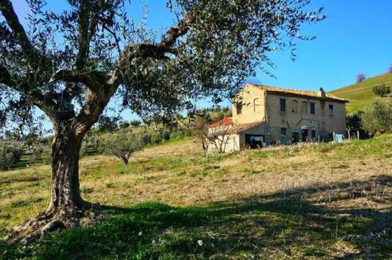 Landhaus in Appignano del Tronto