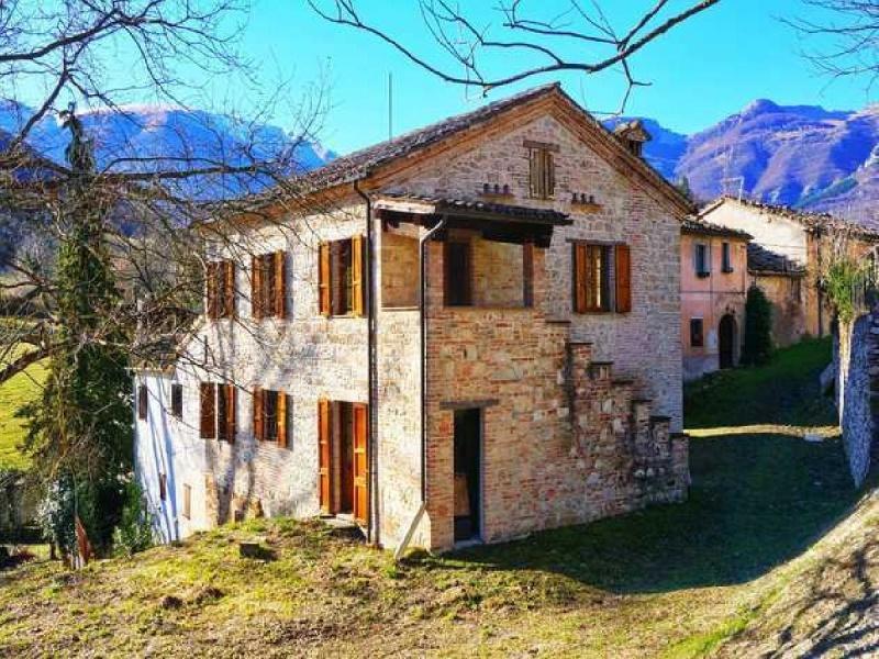 Landhaus in Sarnano
