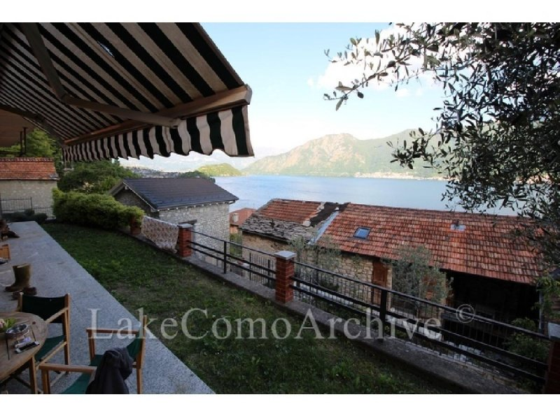 Self-contained apartment in Sala Comacina