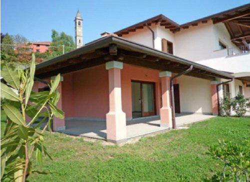Apartamento em Massino Visconti
