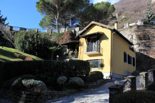 Detached house in Carate Urio