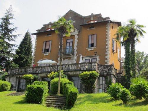 Villa a Ranco