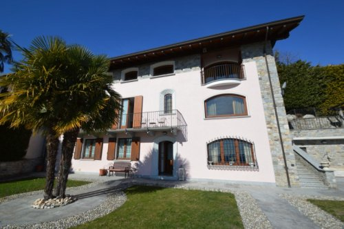 Villa à Massino Visconti