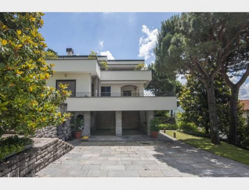 Casa independente em Como