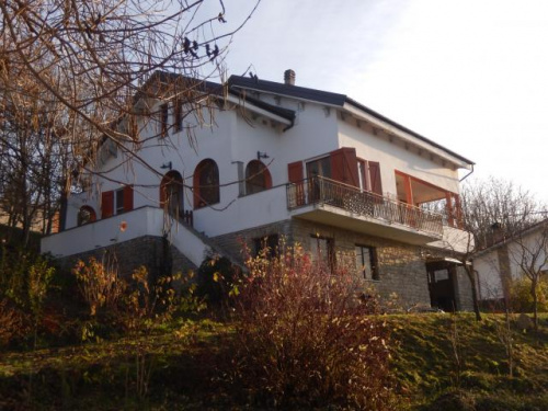 伊利亚诺房屋