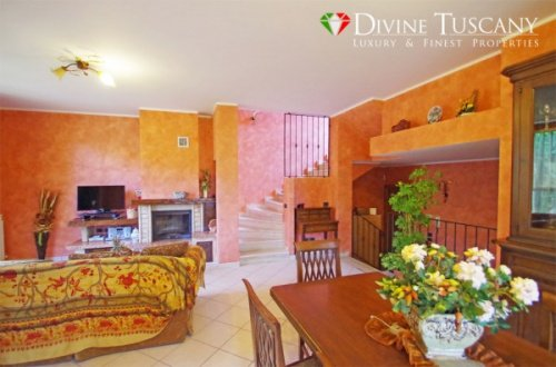 Semi-detached house in Montepulciano