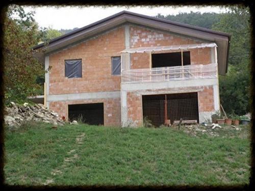 Villa in Compiano
