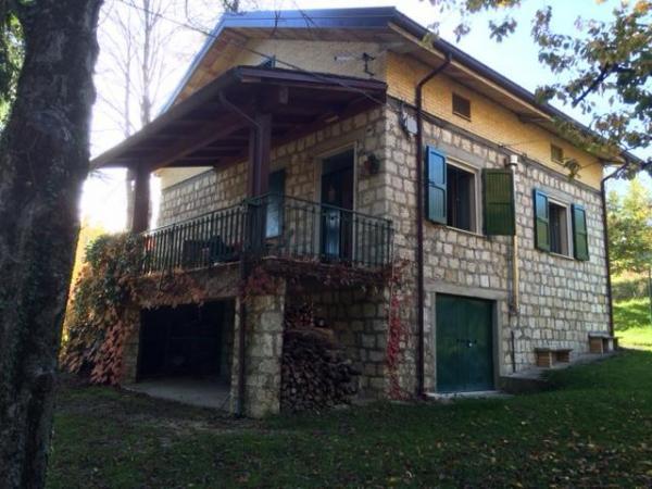 Casa en Montegallo