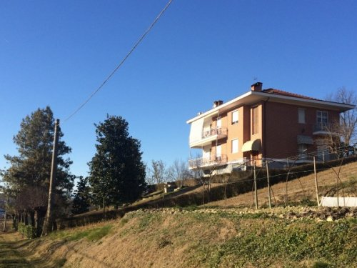 Haus in Villafranca d'Asti