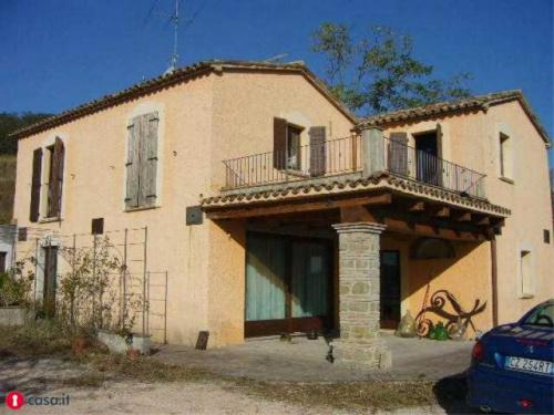 Casa en Montefiore Conca