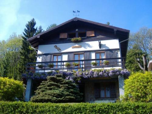 Casa indipendente a Porto Valtravaglia