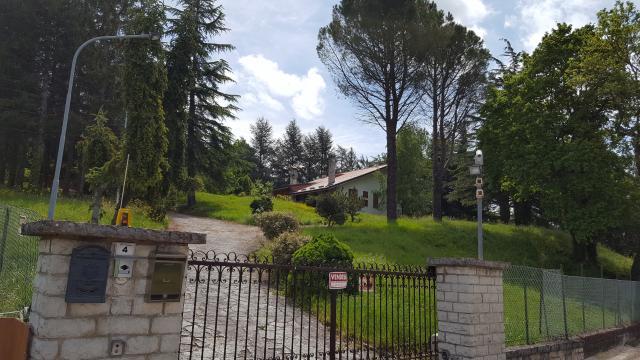 Haus in Castelraimondo