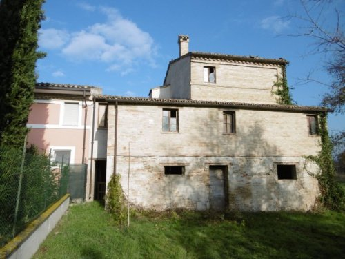 Huis in Treia