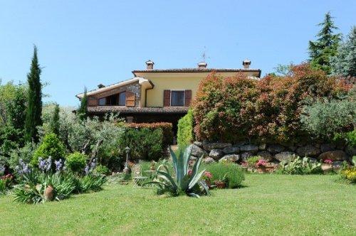 Villa a Monte Grimano Terme