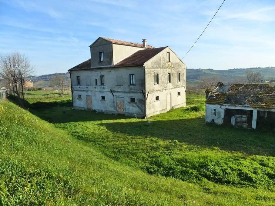 Отдельно стоящий дом в Потенца-Пичена