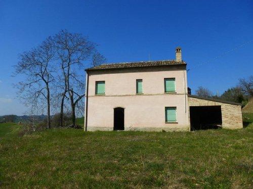 Cabaña en Montottone