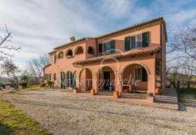 Farmhouse in Morrovalle