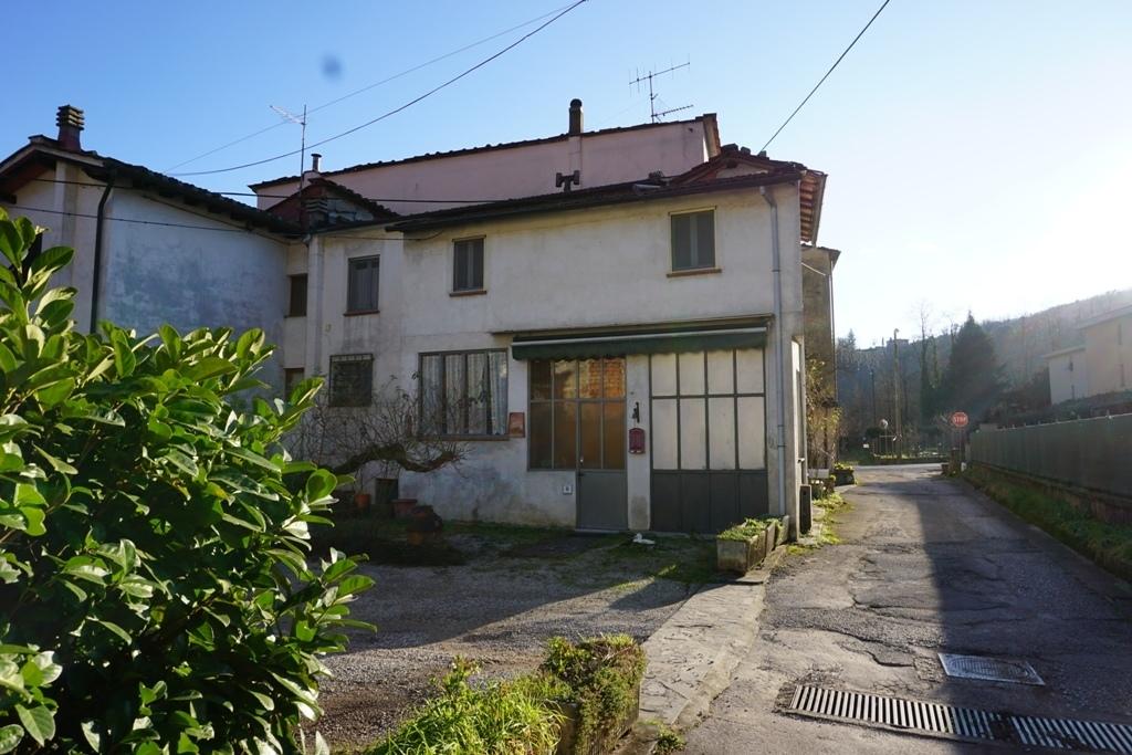 Country house in Borgo a Mozzano
