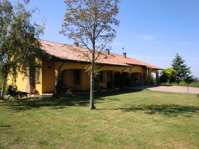 Hus i Torrazza Coste