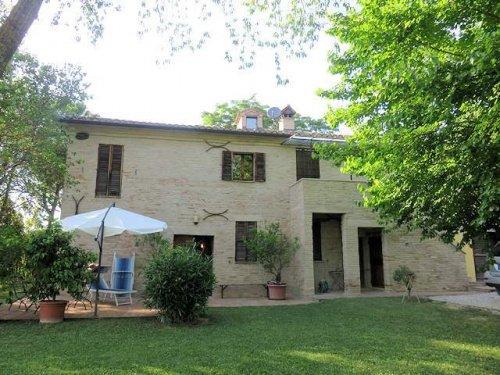 Casa de campo en Castelleone di Suasa