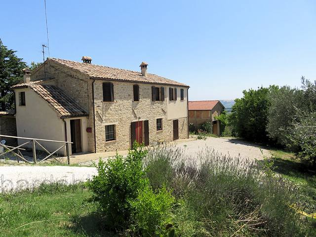 Landhaus in Monte Roberto