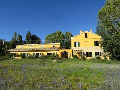 Casa di campagna a Serra San Quirico
